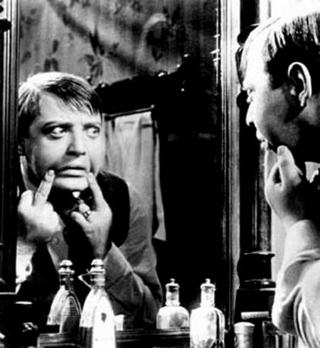 Peter Lorre, inquietante allo specchio