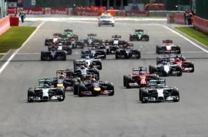 La partenza del GP con Hamilton e Vettel ad attaccare Rosberg