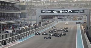 """Hamilton """"brucia"""" Rosberg alla partenza del GP: il grosso del lavoro è fatto..."""