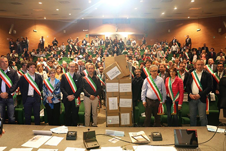 La protesta dei sindaci di Asmel contro l'eccesso di norme
