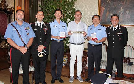 Luigi de Magistris e Poliziotti Repubblica popolare cinese