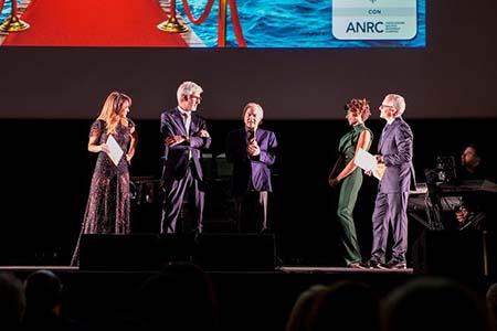 Nauticsud Award a Giuseppe Oliviero e Donatella Chiodo, MdO, e Gennaro Amato, ANRC