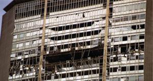 Milano Palazzo Pirelli schianto aereo 18 aprile 2002