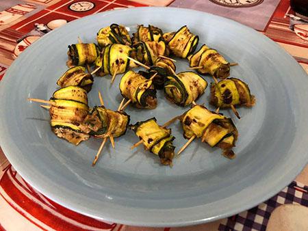 Rotolini di zucchine ripiene di tonno e alici