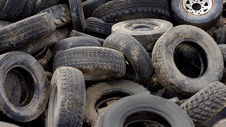 sversamento illecito di pneumatici