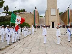 Cerimonia commemorativa caduti in mare Brindisi ph Marina Militare