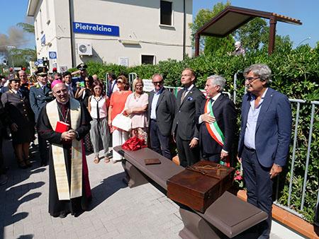 """Panchina monumentale"" di Padre Pio"