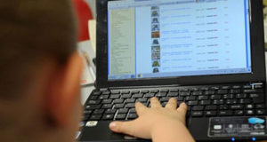 Adescamento online minori