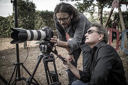 Il regista Fulvio Iannucci con il montatore Paolo Barone sul set di 'Vinilici' - Foto di Davide Visca