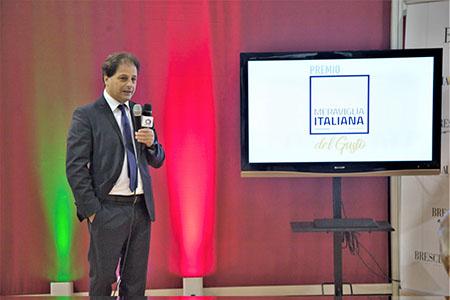 Il giornalista Roberto Messina, direttore e conduttore del PremioMeraviglia Italiana del Gusto, S alone Il BonTa, Cremona Fiere.jpg