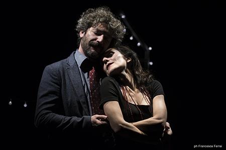 'Due/una storia d'amore' - Foto Francesca Ferrai