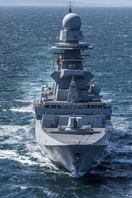 Nave Carabiniere ph Marina Militare