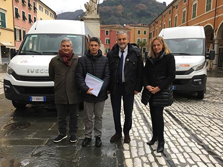 Vincenzo Ceccarelli nuovi bus Carrara