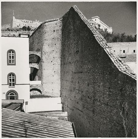 Le mura della cittadella monastica di Suor Orsola ph Mimmo Iodice