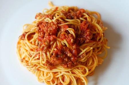 Spaghetti con le vongole fujute