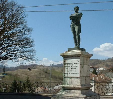 Statua di Gioacchino Murat ad Ateleta (AQ)