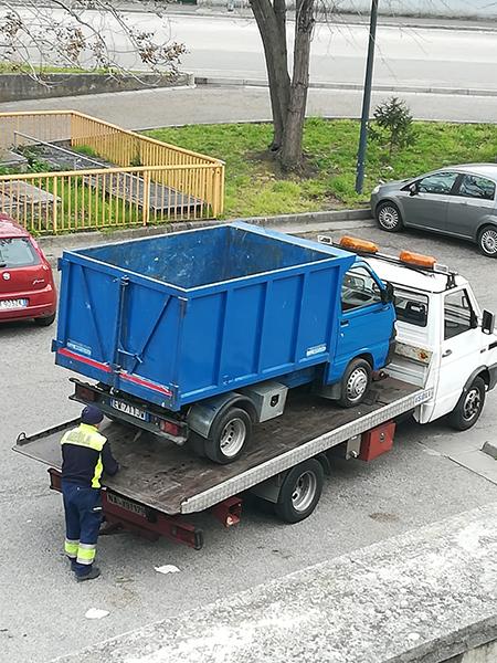 sversamento illecito rifiuti speciali