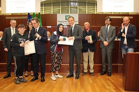 Studenti Scuola media 'Vailati' in Consiglio regionale Lombardia