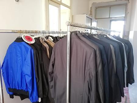 Sequestro abbigliamento via Ferrara Napoli