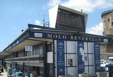 Molo Beverello, Napoli