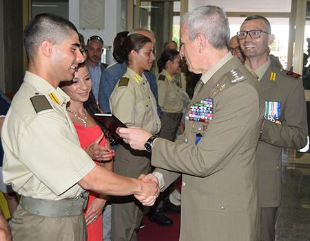 Il Generale Fungo consegna il diario ai familiari