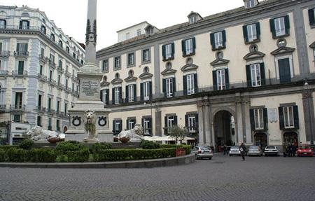 Palazzo Calabritto Napoli