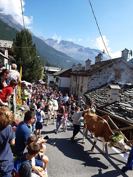 Sfilata Festa Alpeggio Valmalenco 2019