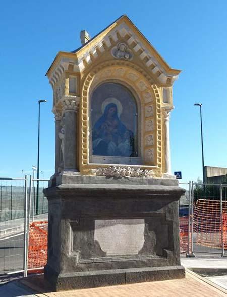 restauro edicola votiva di Maria SS. del Rosario