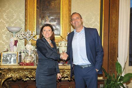 Paola De Micheli e Luigi de Magistris