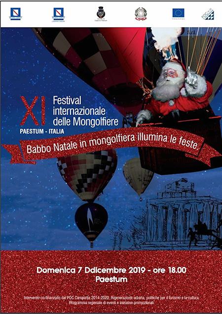 Babbo Natale in mongolfiera illumina le feste