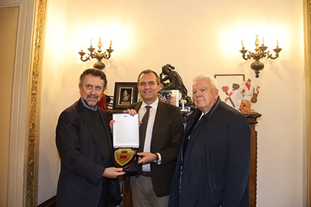 Carlos E. Garcia de Alba Zepeda e Luigi de Magistris e Luciano Cimmino