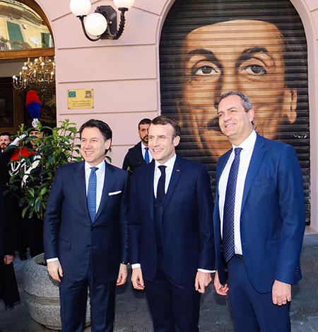 Giuseppe Conte, Emmanuel Macron e Luigi de Magistris