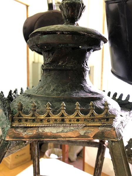 Lanterna del Cannocchiale - dettaglio coroncina