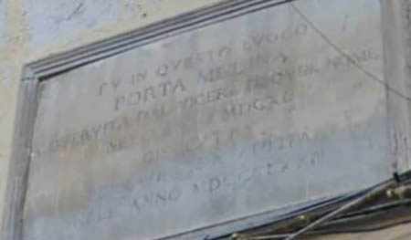 Porta Medina Napoli