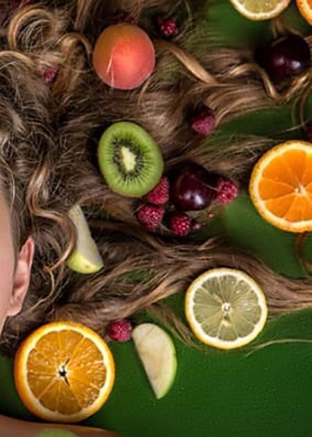 Nutrire i capelli con l'alimentazione