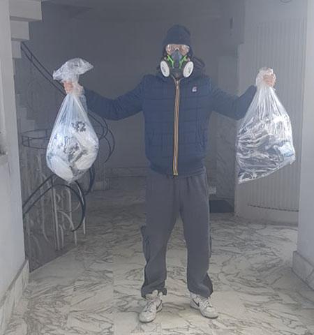 Tueff dona mascherine al carcere Poggioreale di Napoli