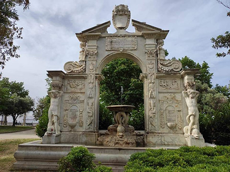 Fontana Santa Lucia nella Villa Comunale di Napoli