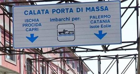 Napoli, imbarco Calata Porta di Massa