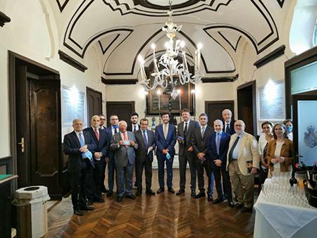 Fondazione Real Monte ed Arciconfraternita di San Giuseppe dell'Opera di Vestire i Nudidi Napoli