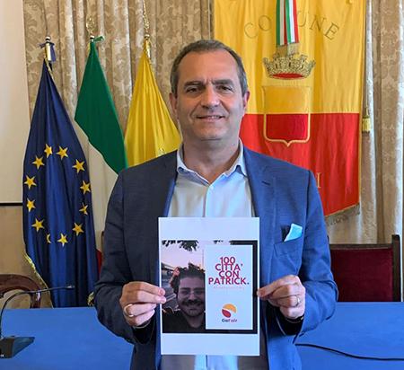 Luigi de Magistris sostiene Patrick Zaky