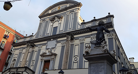 Basilica di San Paolo Maggiore e Statua di San Gaetano a Napoli