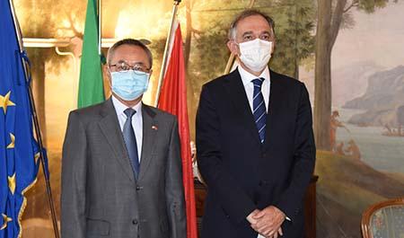 Li Junhua ed Enrico Rossi