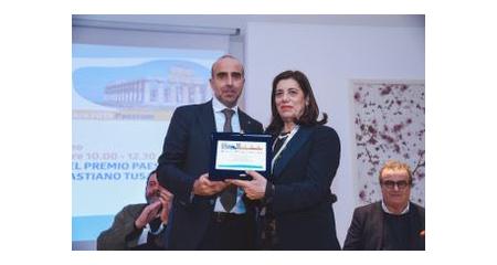 Picarelli consegna Premio Paestum postumo a Sebastiano Tusa alla consorte Valeria Li Vigni BMTA 2019
