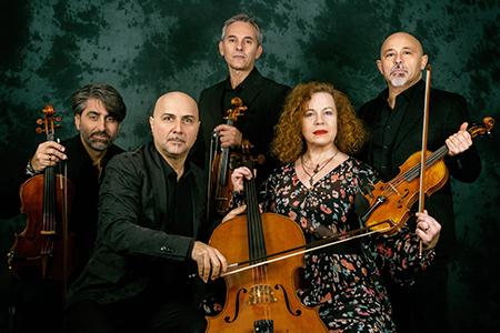 Sarah Jane Morris e Solis String Quartet in 'Ho ucciso i Beatles' ph Riccardo Piccirillo