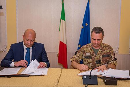 Dottor Valerio Iovinella e Generale di Divisione Roberto Angius