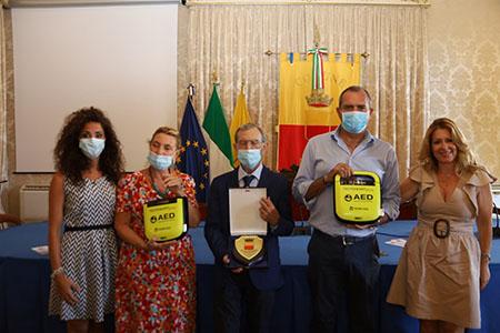 Donazione defibrillatori Napoli