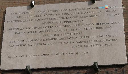 Epigrafe delle Quattro Giornate di Napoli al Maschio Angioino