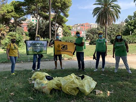 'Puliamo il tuo parco!' Vallelata e Legambiente alla Villa Comunale di Napoli