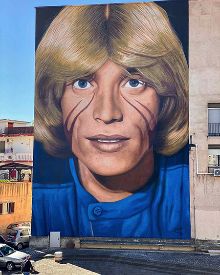 murale di Nino D'Angelo realizzato da Jorit