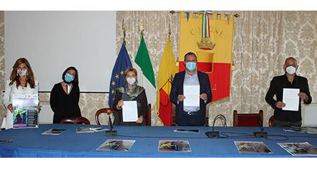 Napoli, presentato progetto corsi gratuiti formazione per truccatrici